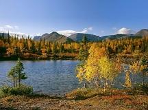 Mountain lake in Khibiny