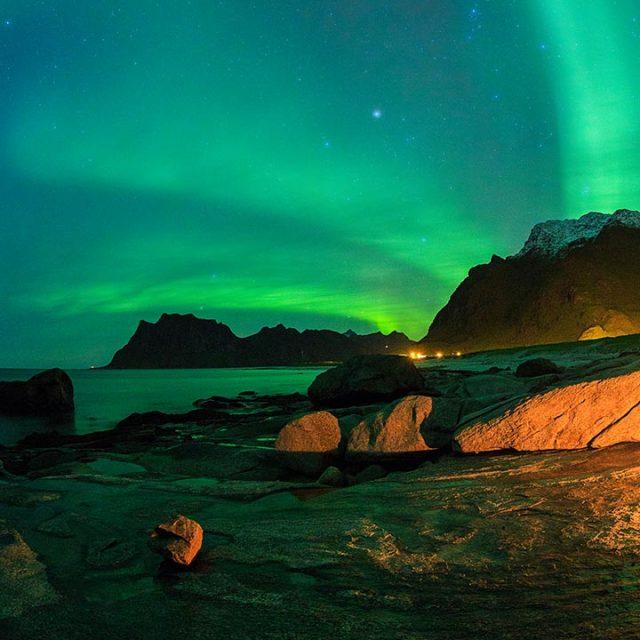 Aurora borealis over Utakleiv beach