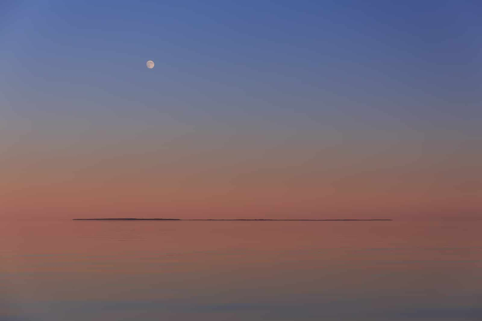loneliness-space-ladoga-lake.jpg