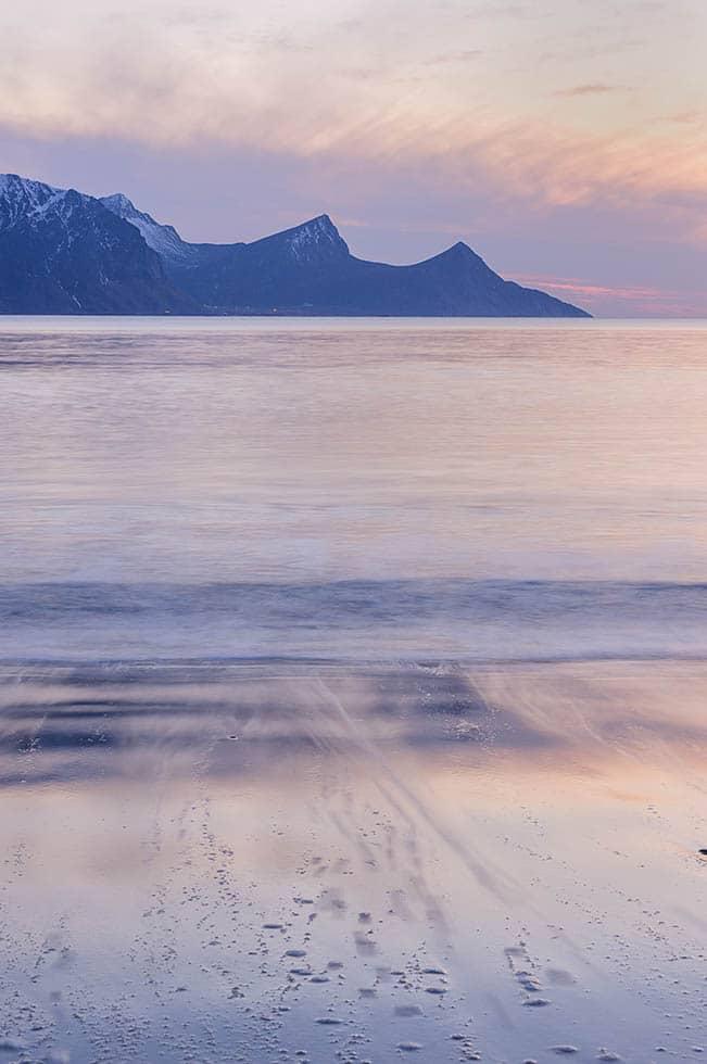 Haukland beach. Pink sunset
